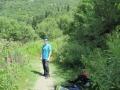Początkowo droga prowadziła przez las.